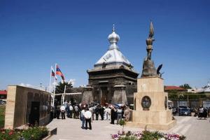 Холм Чести и часовня святого Архистратига Михаила