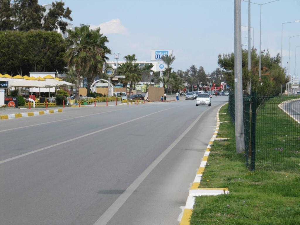 Бульвар Акдениз в Гюрсу