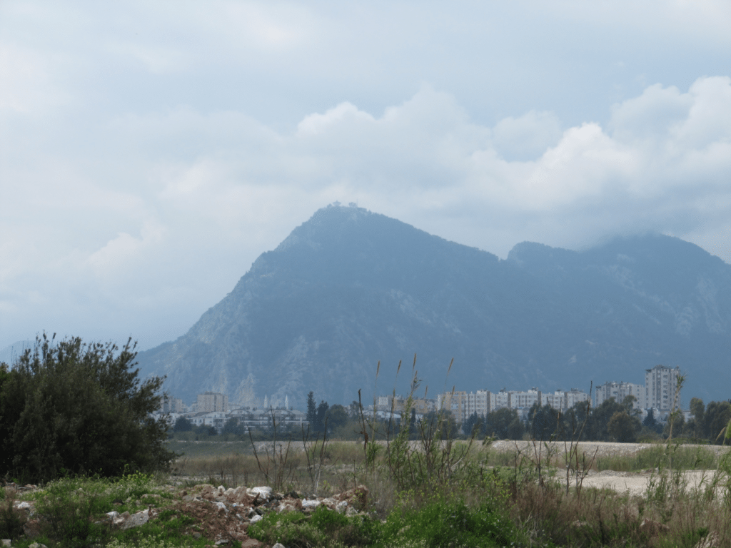 Горы в Гюрсу