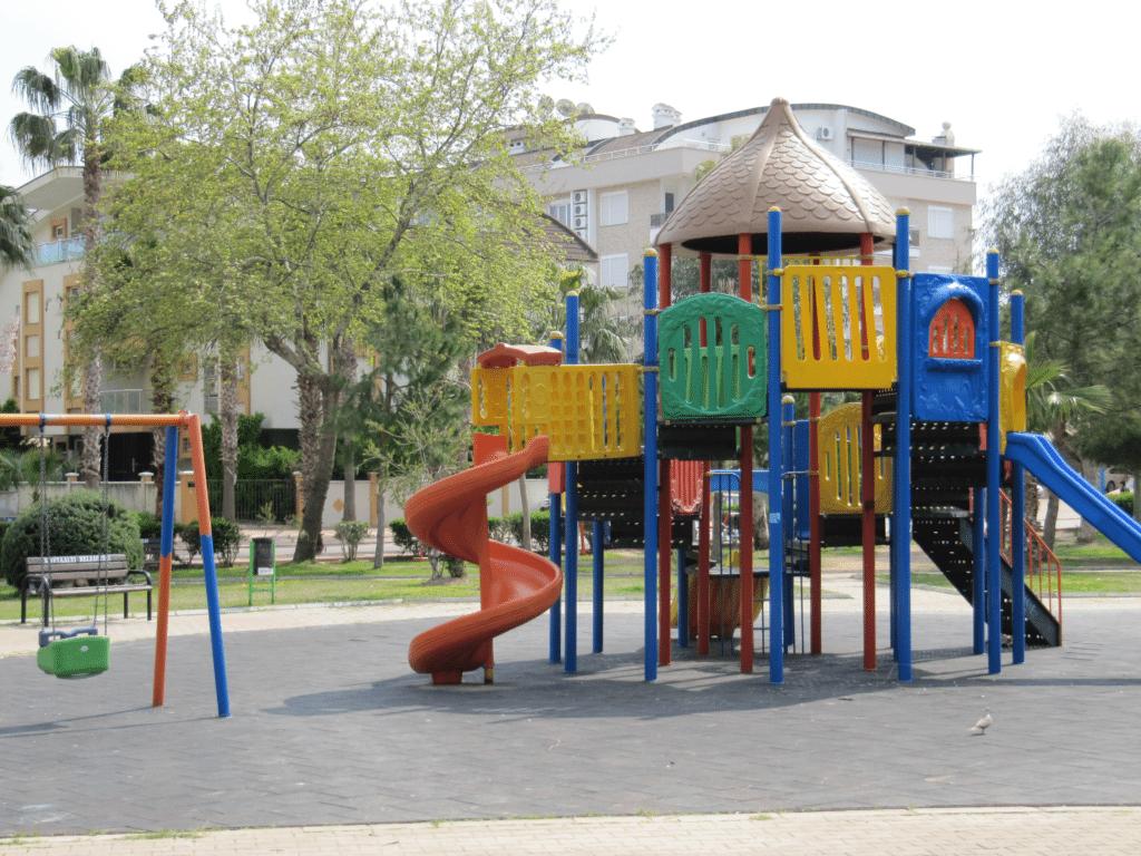 Детская площадка в Гюрсу