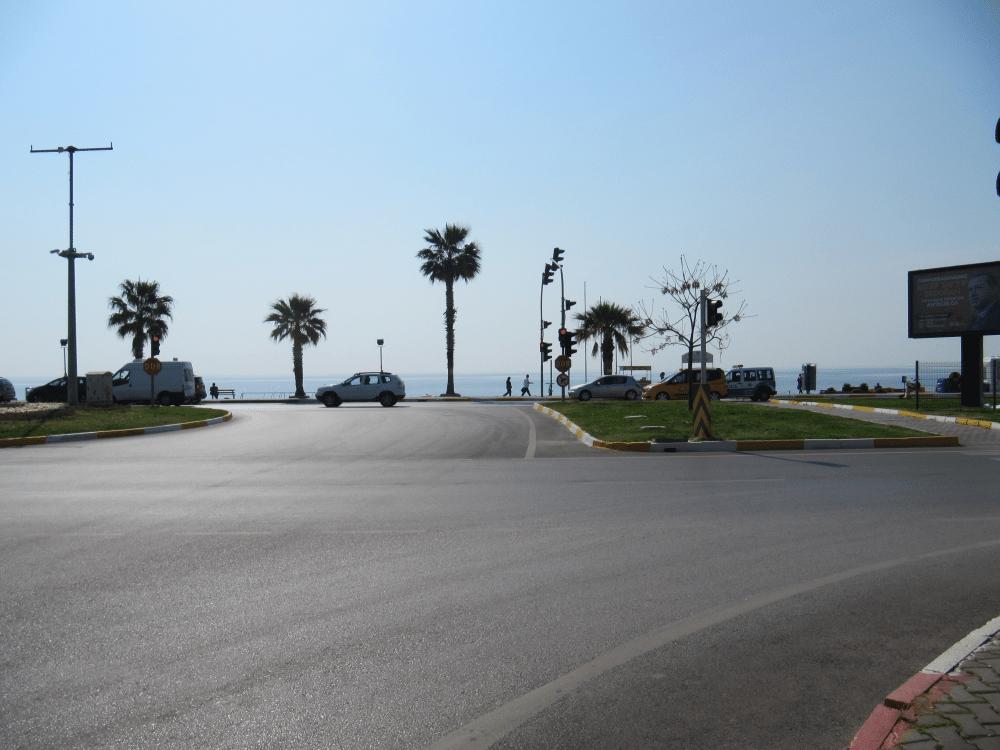 Дорога пришла к морю в Гюрсу