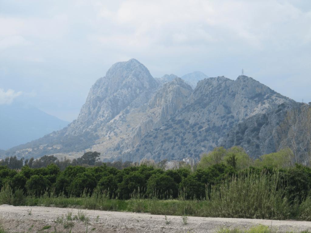 Ещё горы в Гюрсу