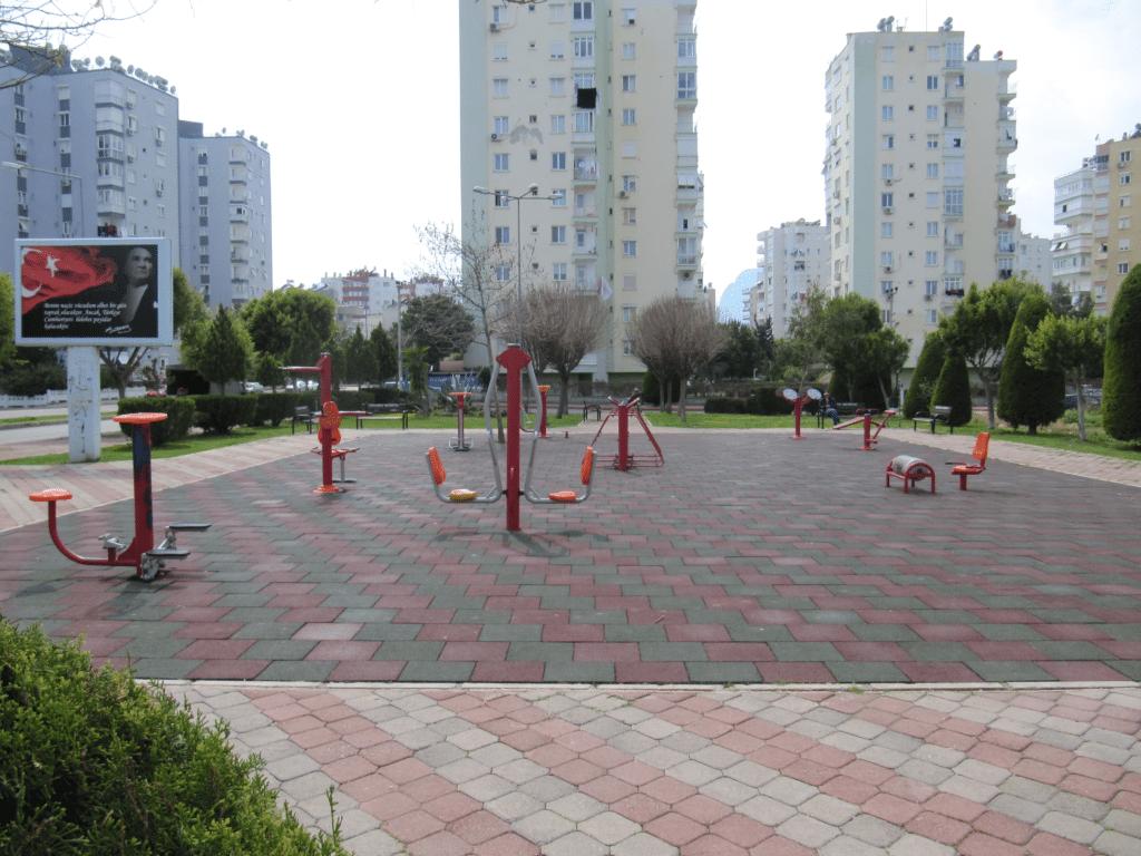 Спортивная площадка в Гюрсу