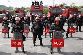 Когда полиции можно применять силу и огнестрельное оружие